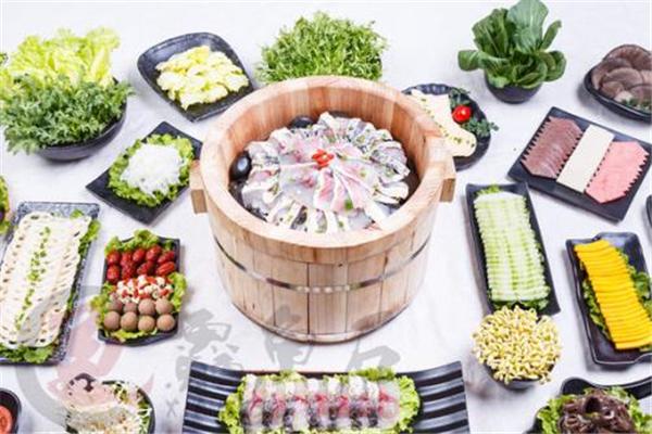 鱻鱼石养生鱼火锅