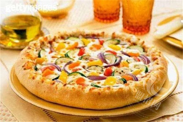 开一个小型披萨店投资多少钱