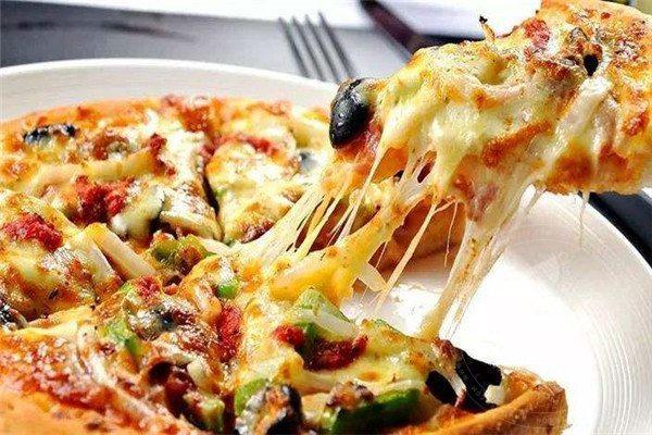 开披萨店要不要加盟