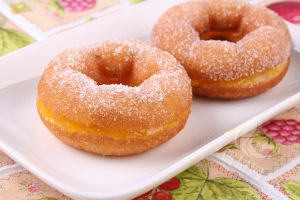 大苹果甜甜圈